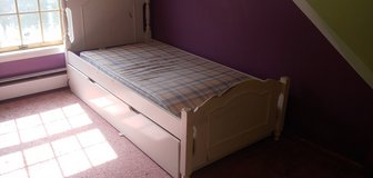 med trundle bed in Watertown, New York