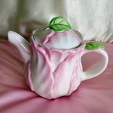 Vintage Bombay Company 1992 Pink Hibiscus Flower Teapot in St. Louis, Missouri