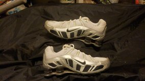 womens NIKE SHOX shoes size 8 1/2 in Alamogordo, New Mexico