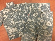Kids ACU Uniform, Digital Camo, Sz 4 in Fort Campbell, Kentucky