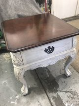 End table/bedside table in Joliet, Illinois