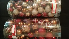 Shatter proof ornaments in Hinesville, Georgia