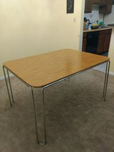 Dining table for sale in Lockport, Illinois