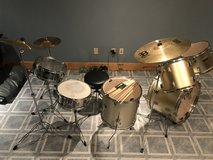 9 Piece Drum Set w/ new Snare, Cymbals, Stool and Extra Sticks in Plainfield, Illinois