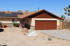 Upgraded 3 Bed 2 Bath Home in Joshua Tree 5 Min from Joshua Tree National Park in 29 Palms, California