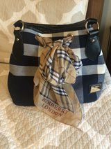 burberry purse in Fort Lewis, Washington