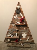Christmas recycled wood tree in New Lenox, Illinois