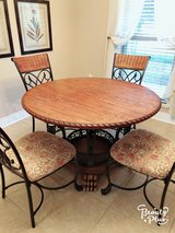 Dinning table and 4 chair in DeRidder, Louisiana