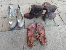 3 piece lot womens shoes size 8 in Orland Park, Illinois