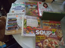 6 COOKBOOKS/2 mags in Warner Robins, Georgia