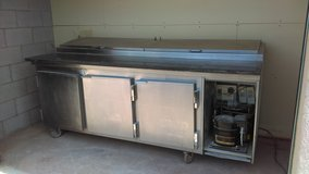 Sandwich Table and Freezer in Alamogordo, New Mexico