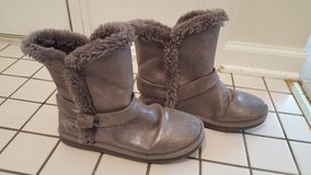 Girl's Size 4 Sparkle Boots in Glendale Heights, Illinois