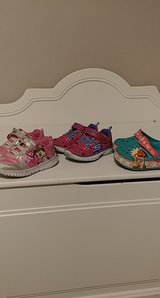 size 7 toddler character girls shoes in Spring, Texas