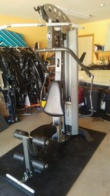 EXCELLENT HOIST V3 HOME GYM - $400 (YUCCA VALLEY) in Yucca Valley, California