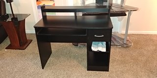 New Southshore Access Desk (Best Offer) Free Delivery in Clarksville, Tennessee