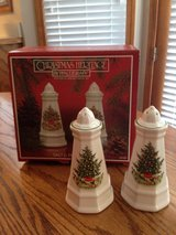 Christmas Salt and Pepper Set in Westmont, Illinois