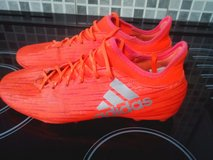 adidas  football boots vgc size 5 in Lakenheath, UK