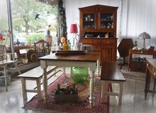 solid wood dining room set with 2 benches in Stuttgart, GE