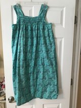 Pretty green muumuu, like new in Byron, Georgia