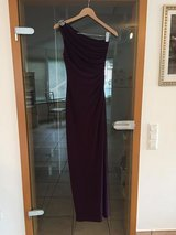 BEAUTIFUL RALPH LAUREN ONE SHOULDER GOWN... A MUST TRY!! PICK-UP PATCH/PANZER BASE in Stuttgart, GE