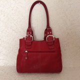 "Authen. ""TIGNANELLO"" shoulder carry-all in Tuscan red genuine leather in Yucca Valley, California"