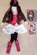 Draculaura costume and wig in Camp Pendleton, California