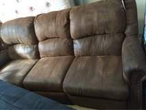 Nice reclining couch in Alamogordo, New Mexico