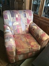 Upholstered Swivel Chair in Alamogordo, New Mexico