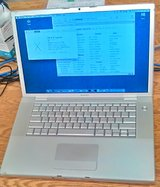 "Apple MacBook Pro 17"" (2008), Core 2 Duo, 4 GB RAM, 200 HDD, X.11 ""El"" & X.6 ""Snow"" in Fort Lewis, Washington"