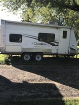 2007 Forest River Cherokee Lite Travel trailer in Oswego, Illinois