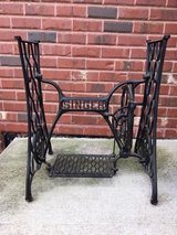 Antique Singer Sewing Machine Cast Iron Base in Tinley Park, Illinois