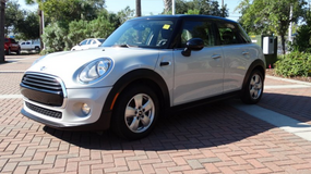 2016 Mini Cooper, Automatic, Navi, Sunroof, Leather, 1 Owner, like NEW! s in Grafenwoehr, GE