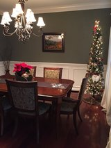 Bassett Furniture Dining Room in Aurora, Illinois