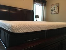 King size Stearns & Foster Hybrid Luxe Mattress in Fort Rucker, Alabama