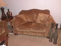 Loveseat - Overstuffed, paisly brown gold print, very gently used,hate to let it go. in Conroe, Texas