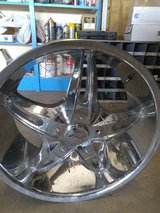 "20"" RIMS 5 LUG UNLIVERSEL SET OF 4 in Cleveland, Texas"