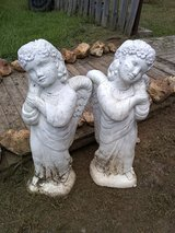 two stone angel's in Montezuma, Georgia