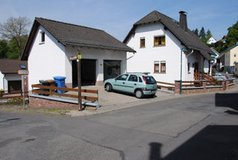 Free standing house in great condition in Bad Schwalbach. Guest APT included in Wiesbaden, GE