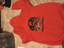 Deadpool hoodie sz Xl (runs small) in Fort Campbell, Kentucky