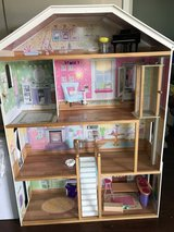 3'x 4' dollhouse in Vista, California