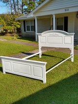 Queen bed and rails solid wood in Cherry Point, North Carolina