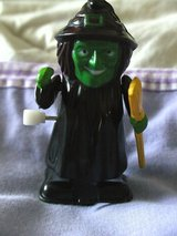 wind up walking witches 7cm tall in Lakenheath, UK