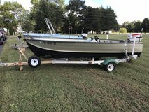 14' V bottom Aluminum Jon Boat w 35hp Johnson electric start in Fort Lee, Virginia