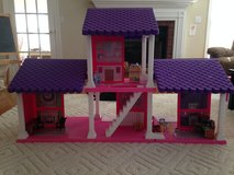 Dollhouse with some furniture in Warner Robins, Georgia