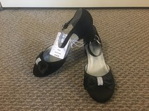 New!  Girl's Dressy Shoes Size 4 in Chicago, Illinois