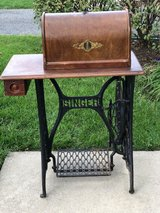 Singer Treadle Sewing Machine in Fort Meade, Maryland