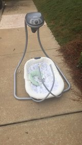 Graco baby swing in Fort Benning, Georgia