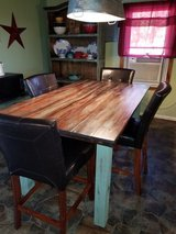 Table with 4 chairs in Lawton, Oklahoma