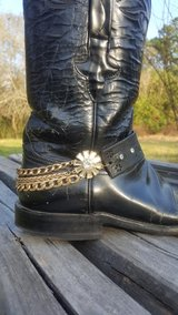 Leather boot jewelry bootbelt gift idea in Cleveland, Texas