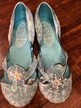 Elsa Halloween toy girl shoes in Vacaville, California